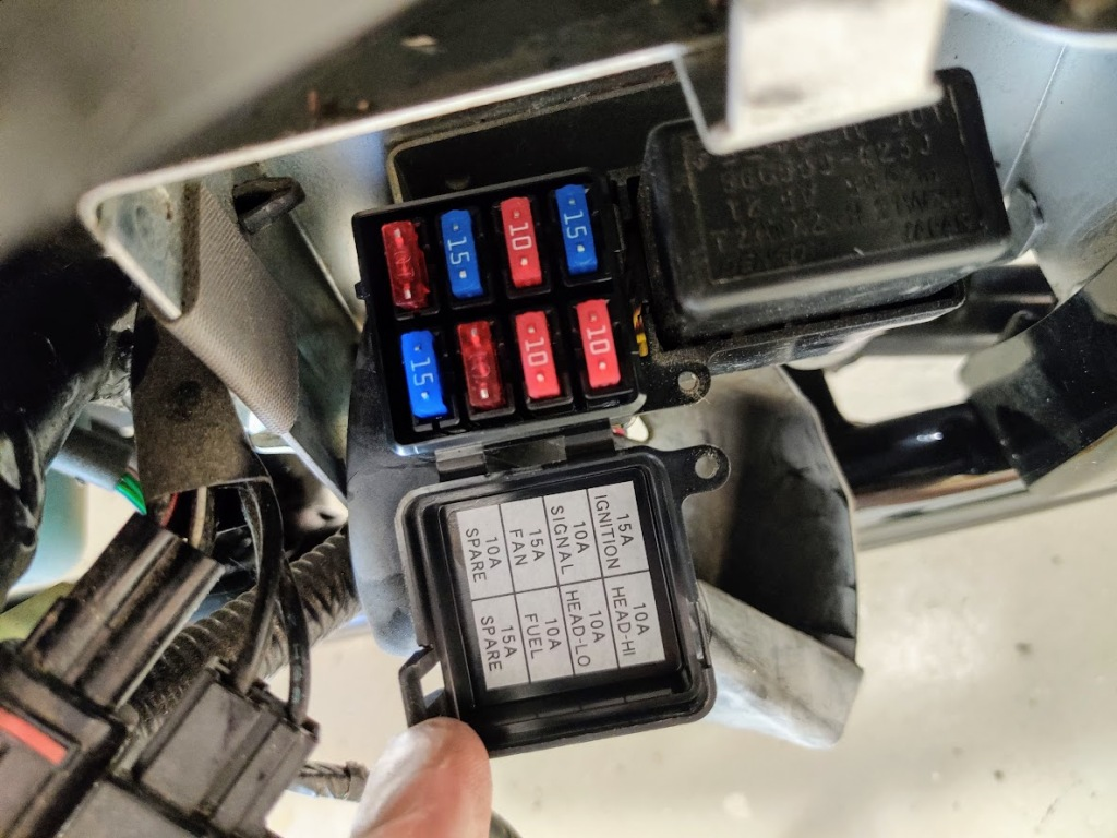 Suzuki Intruder M800 / Boulevard M50 fuse box. Model year 2010-current