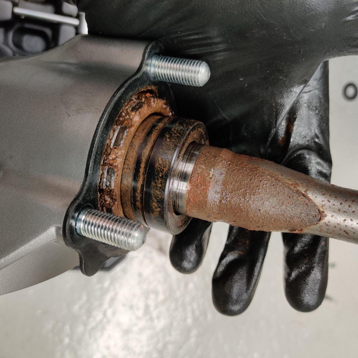 Suzuki Boulevard M50 / Intruder M800 shaft drive rust issue