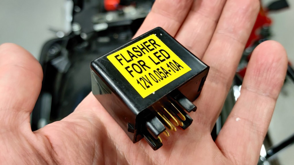Suzuki Boulevard M50 LED turn signal relay